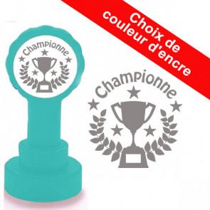 Tampon enseignant   Championne, Trophée du Design.
